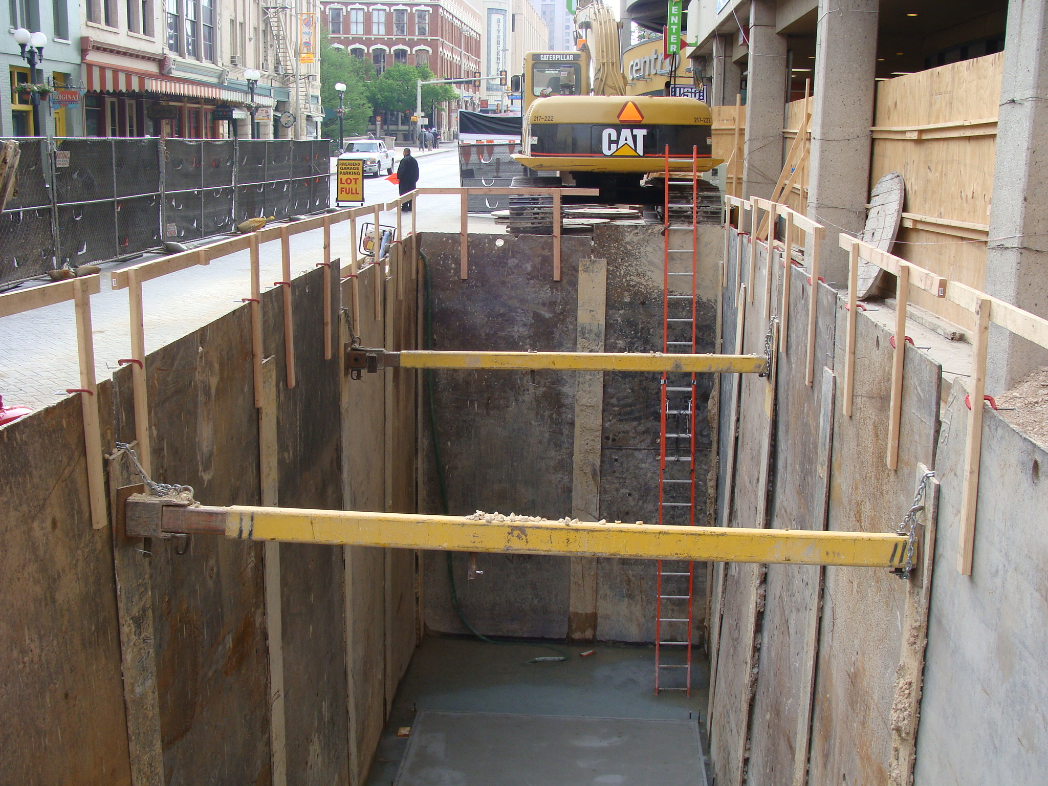 Shoring In Construction : Excavation and trench safety is top priority in